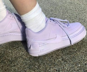 shoes, purple, and nike image