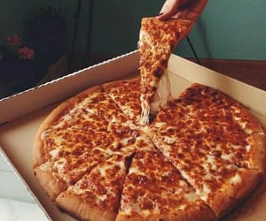 food, pizza, and delicieux image
