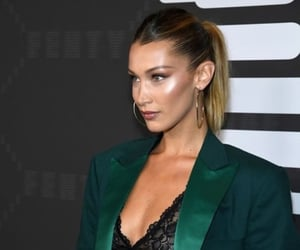 fashion and bella hadid image