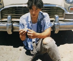 keanu reeves and 90s image