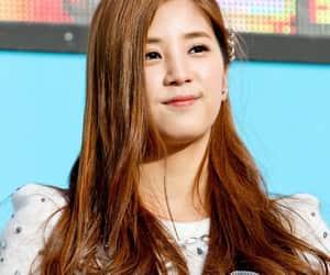 kpop, leader, and chorong image