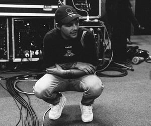black and white, boy, and louis tomlinson image