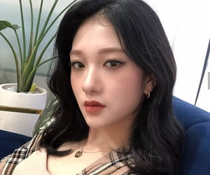 asian, korean, and fromis image