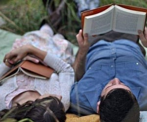 amor, libros, and pareja image