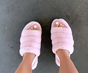 ugg slippers image