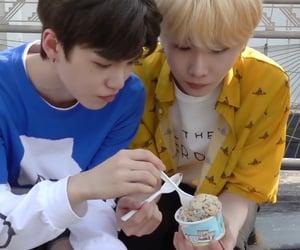 eating, icon, and jo gyehyeon image