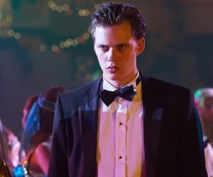 bill skarsgård, hemlock grove, and roman godfrey image
