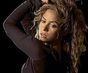 2005, hermosa, and shakira mebarak image