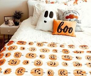 Halloween, autumn, and bedroom image