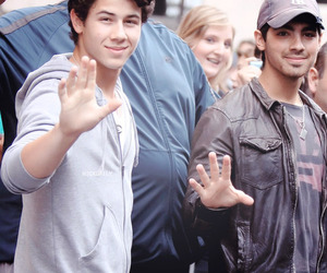 Joe Jonas, jonas brothers, and nick jonas image