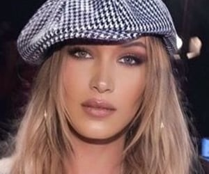 aesthetic, beret, and makeup image