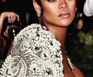 fashion, Queen, and badgalriri image