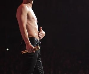 brendon urie, Hot, and live image