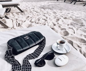 accessories, details, and bag image