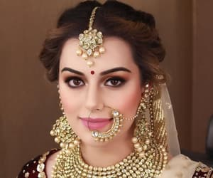 beautiful, bride, and hairstyle image
