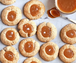 autumn, beauty, and Cookies image