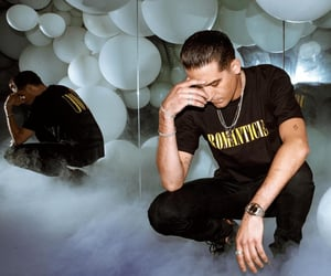 mirror and g-eazy image