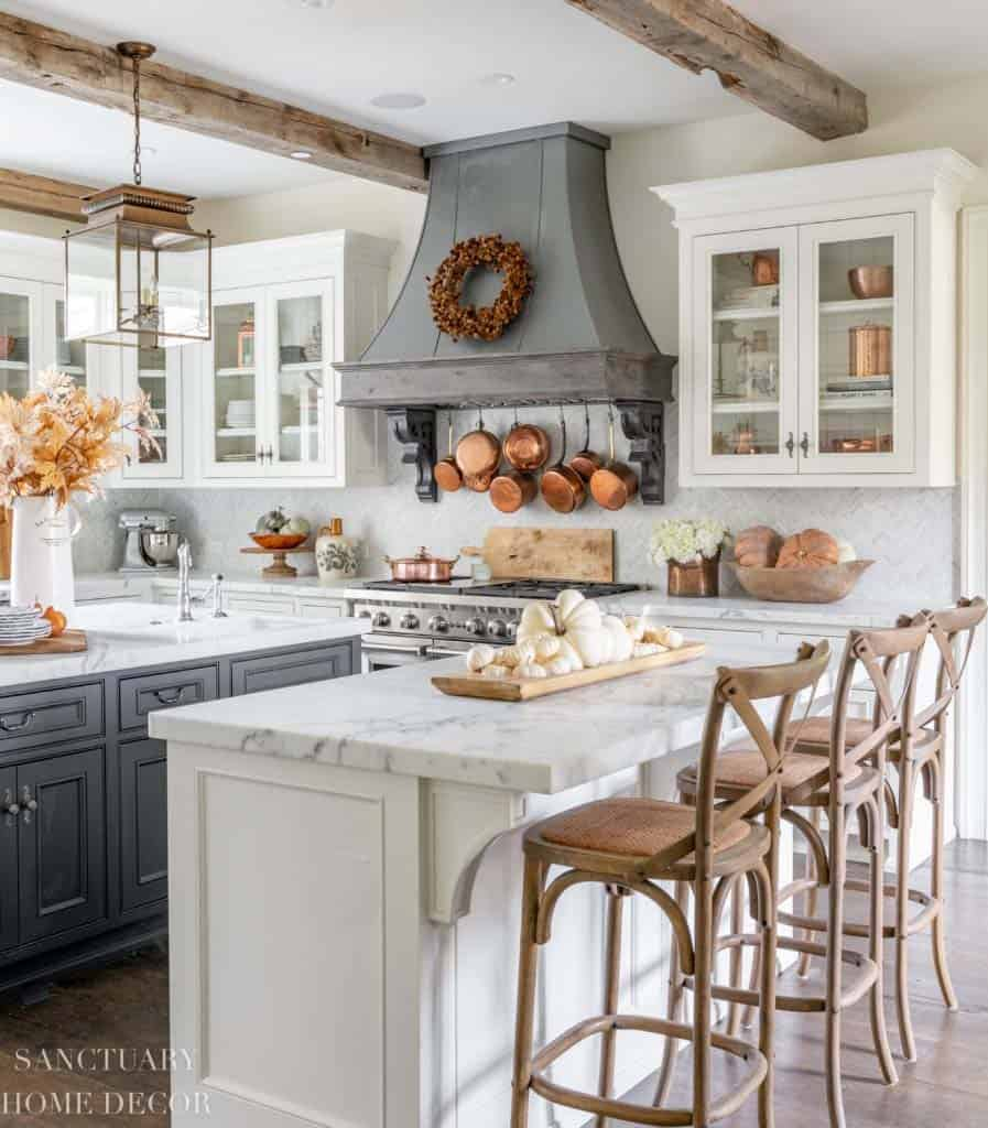 25 Warm And Inviting Fall Kitchen Decorating Ideas To Diy