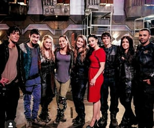 behind the scenes, the 100, and cast image