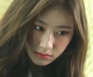 icons, lq, and itzy image