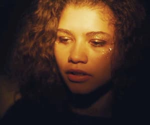 curly hair, pretty, and rue image