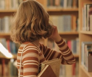books, aesthetic, and girl image