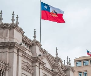 chile, hermoso, and santiago image