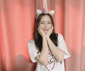 girl, cho miyeon, and i-dle image
