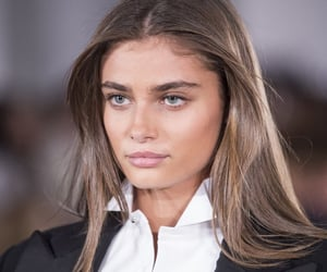 taylor hill, model, and style image