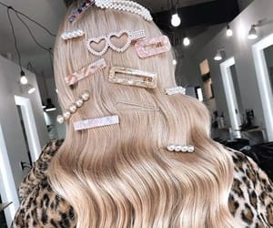hair, girl, and hair clips image