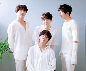 gif, rm, and kim taehyung image