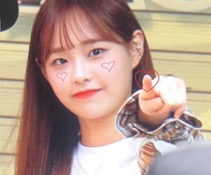 details, kpop, and chuu image