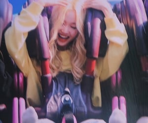 loona, gowon, and preview image