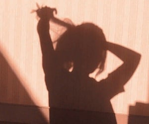 girl and shadow image