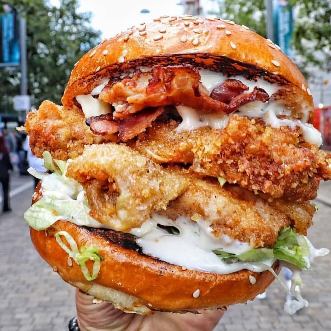 burger-sex-huge-pussy-porn-free