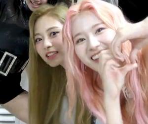 kpop, sana, and tzuyu image