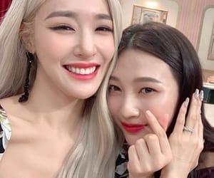 girls generation, Sunny, and kim hyoyeon image