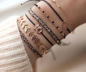 pulseiras, cute, and acessórios image