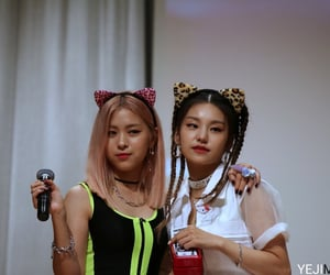 girls, icon, and JYP image