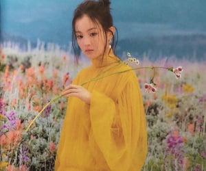kpop, photoshoot, and Queen image