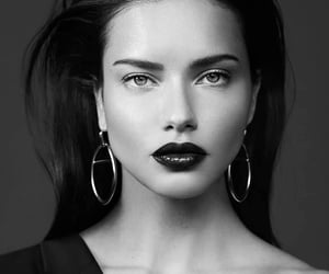 model and Adriana Lima image