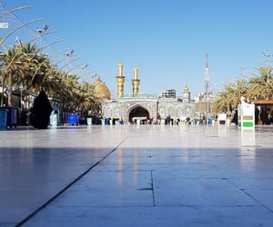 كربلاء المقدسة, بين الحرمين, and الإمام الحسين image