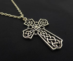 celtic knot, thejewelseeker, and crosspendant image