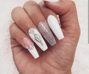 fake nails, nail, and nails image