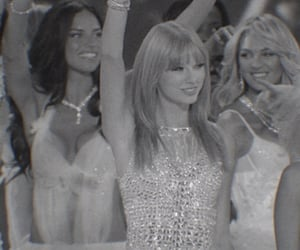 Taylor Swift, vsfs 2013, and red era image