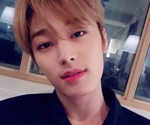 juyeon, the boyz, and p:selca image