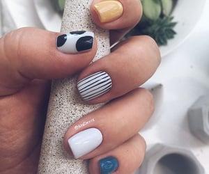 short nail art image