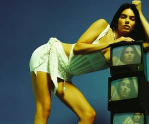 fashion, cr fashion book, and kendall jenner style image