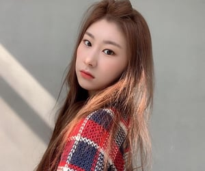 kpop, lq chaeryeong, and itzy image