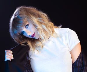 AT&T, photoshoot, and Taylor Swift image